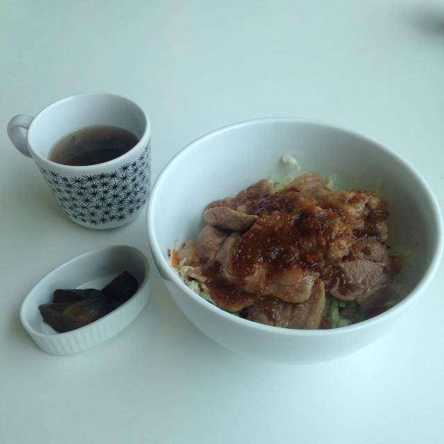 カフェブラン 梨のタレ豚丼