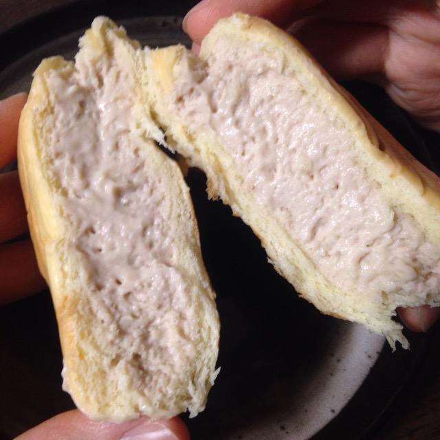 八天堂のくりーむパンは食べて感動、カロリーも控えめなので女性に大人気!手土産にもオススメです
